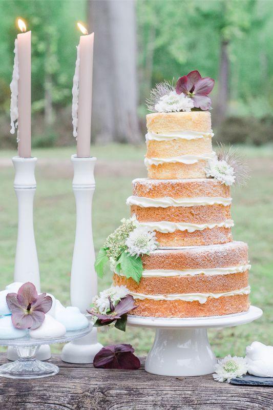 4. Elegant naked cake