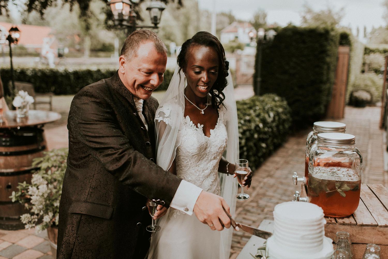 aansnijmoment bruidstaart